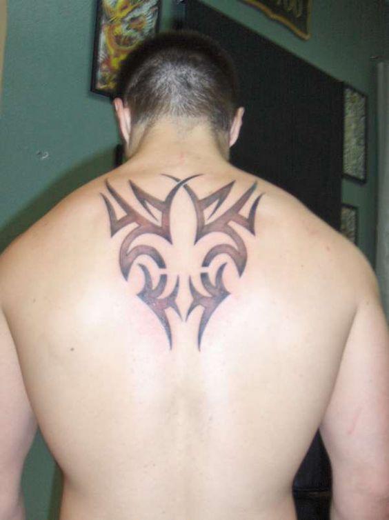 flor de lis en la espalda 8