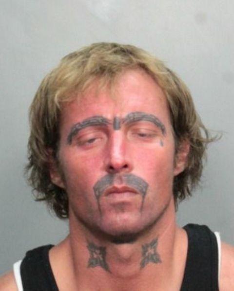tatuajes de cejas mal hechos 1