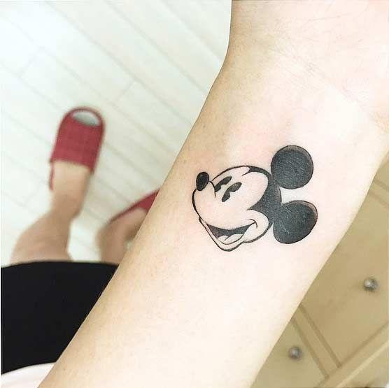 tatuajes de miki en la muñeca 3