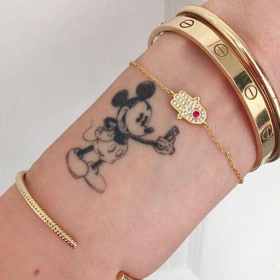 tatuajes de miki en la muñeca 4