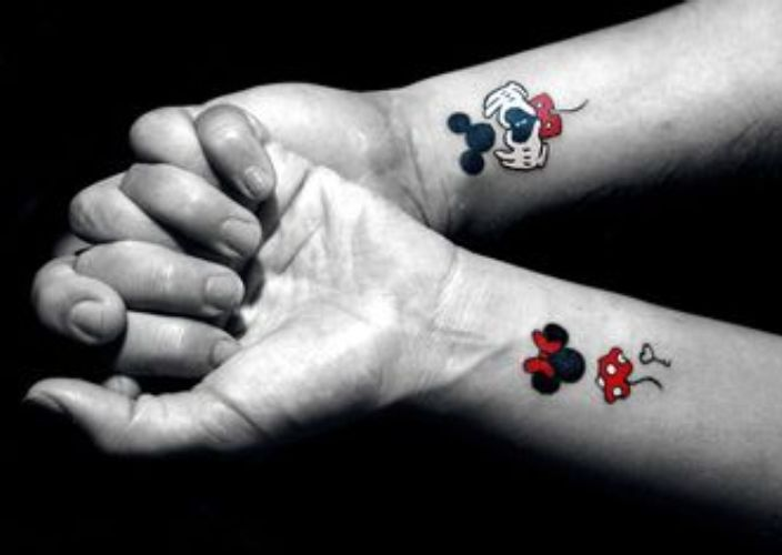 tatuajes de miki en la muñeca 8