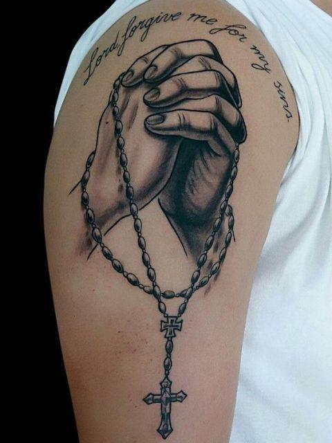 manos con rosario 8