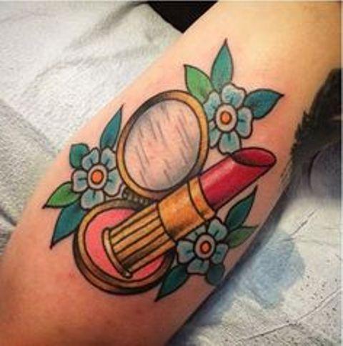 pintalabios 9 1 - Tatuajes de labios