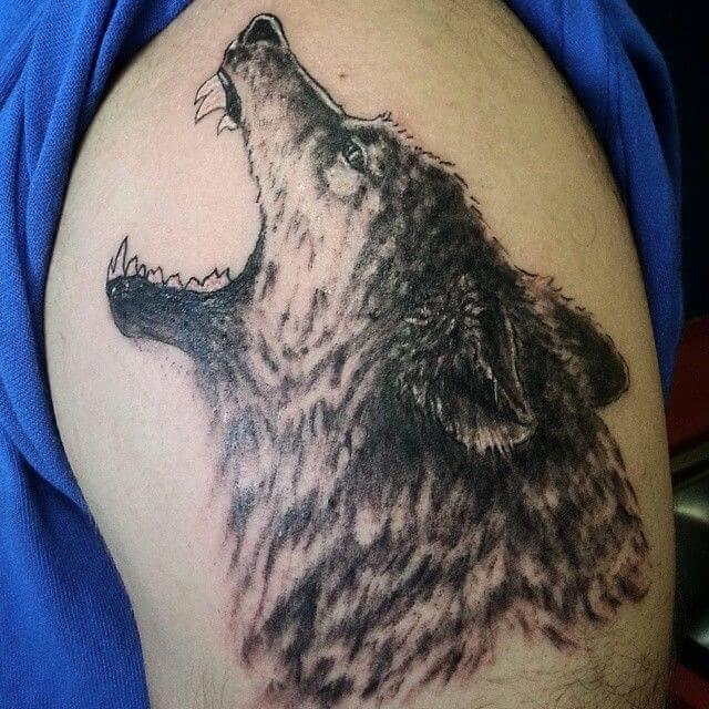 tatuajes lobos hombro 1
