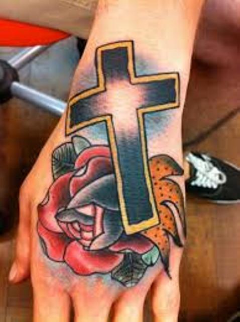 cruz en la mano 9