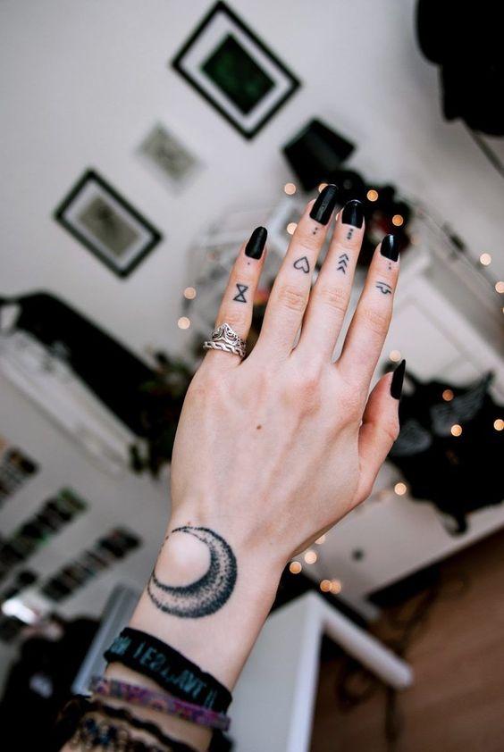 en la mano de mujer 4