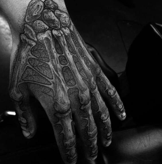 en la mano esqueleto 4