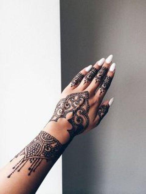 en la mano y dedos 8