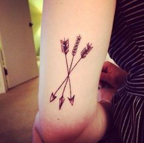 flechas cruzadas 5 - tatuajes de flechas