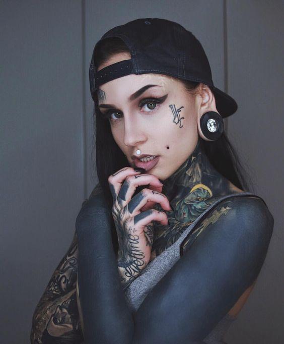 tinta negra 1 - tatuajes de tinta blanca