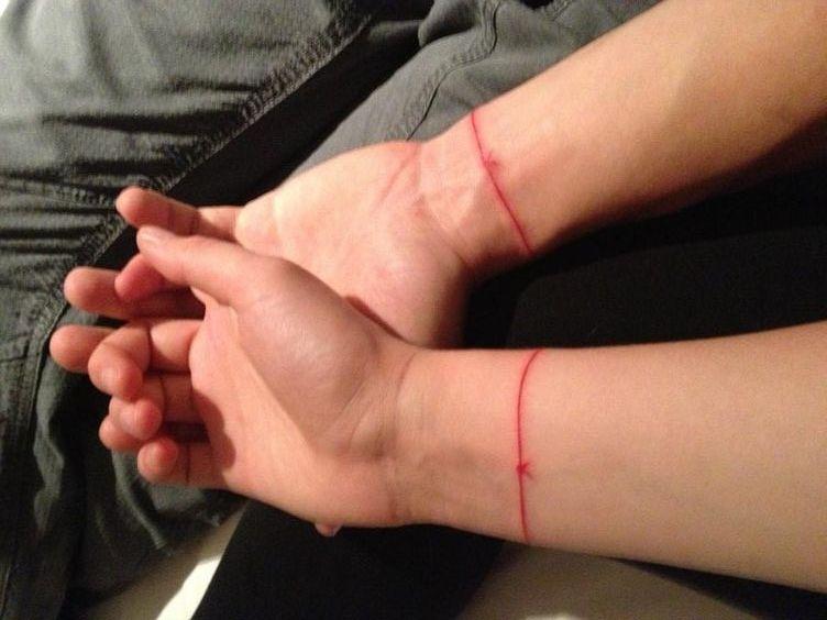 tinta roja 2 - tatuajes de tinta blanca