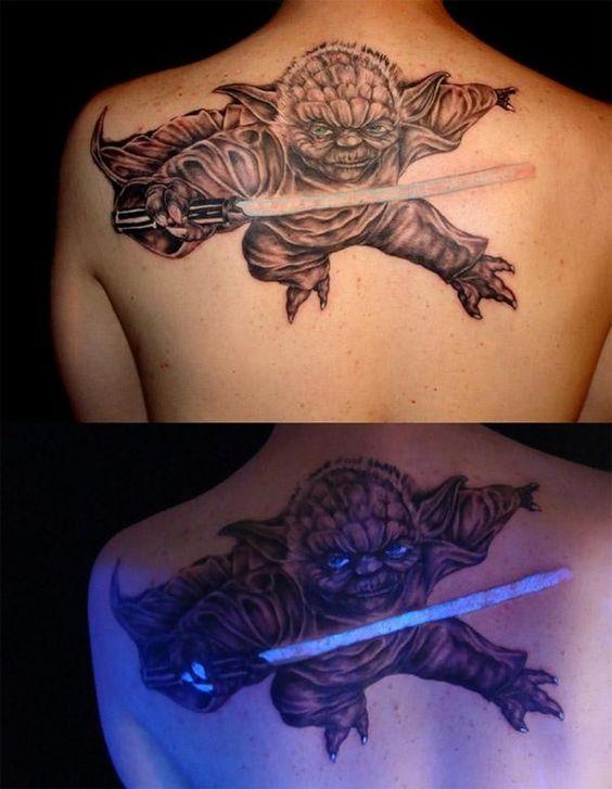 ultravioleta 1 - tatuajes de tinta blanca