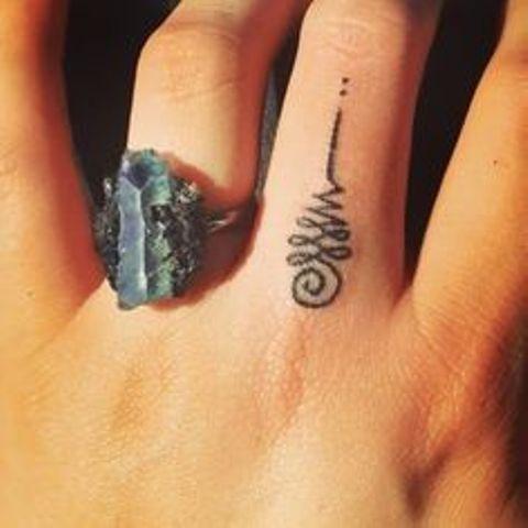 de unalome para mujeres 5 - tatuajes de unalome