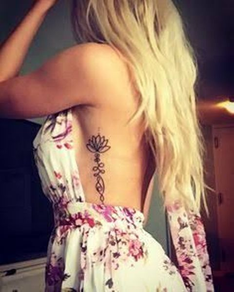 unalome con flor de lotto 9 - tatuajes de unalome