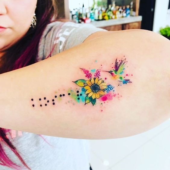 colibri mujeres 1 - tatuajes de colibrí