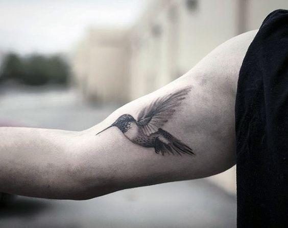 colibri para hombres 3 - tatuajes de colibrí