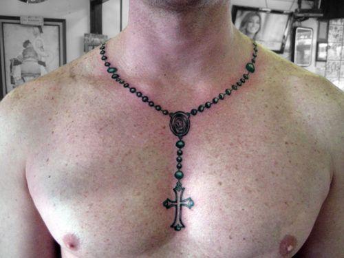 tatuajes de rosarios en el cuello 1