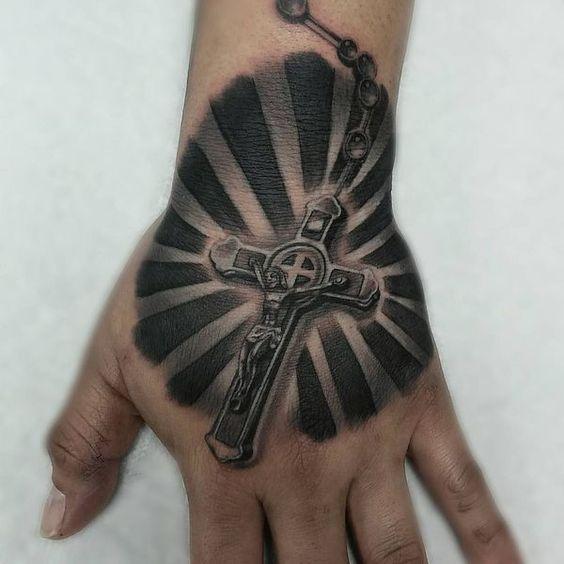 tatuajes de rosarios para hombres 1