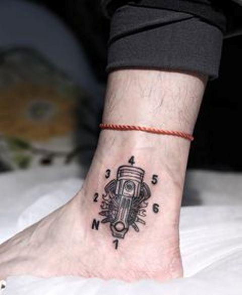 tatuajes motos tobillos 1