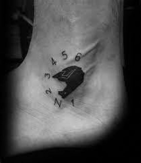 tatuajes motos tobillos 2