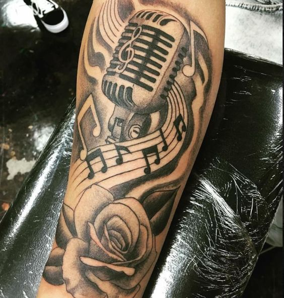 tatuajes notas musicales para hombres 5