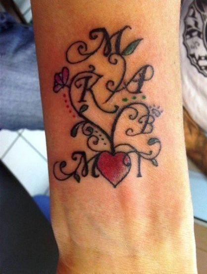 hijos y familia 3 - tatuajes de iniciales