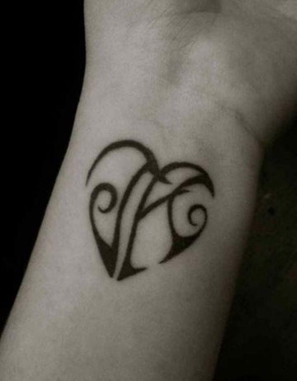iniciales de nombres 5 - tatuajes de iniciales