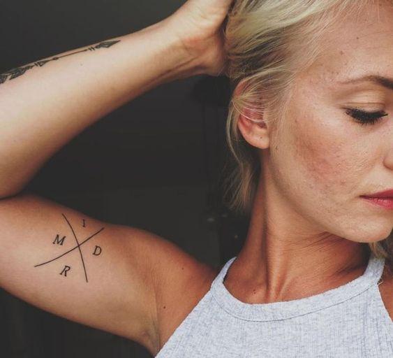 iniciales para mujeres 1 - tatuajes de iniciales